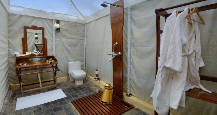 aranyaresort-tent-washroom