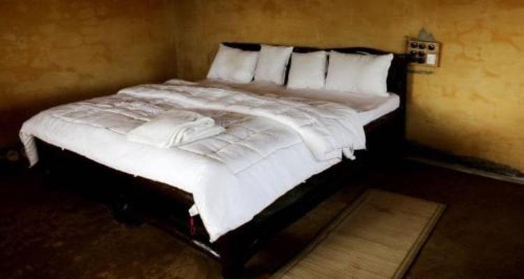 gharonda-rosort-room