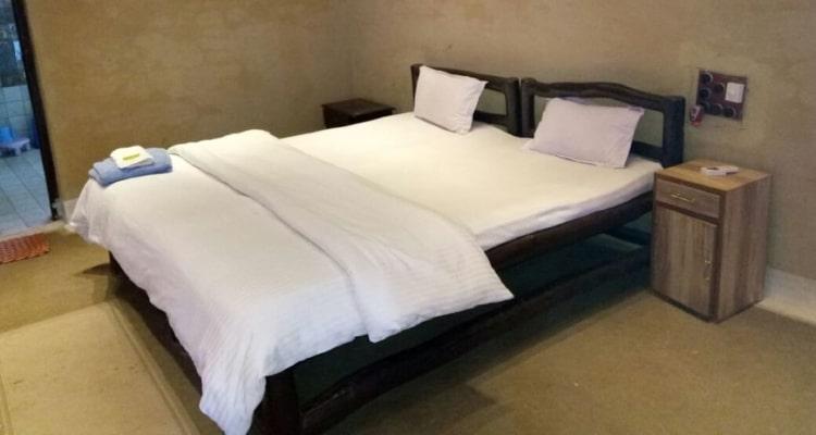 gharonda-rosort-room1