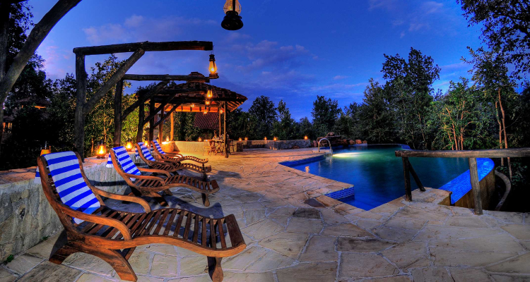 kanha-earth-lodge-pool