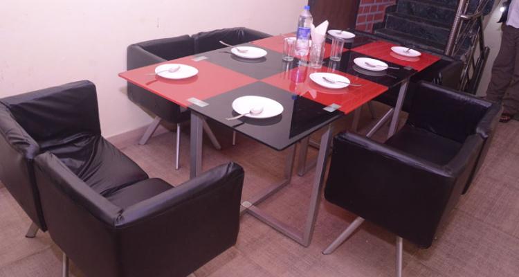nainitalwillows-dining