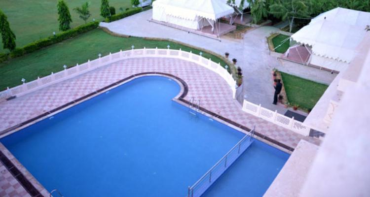 rtb-nationalresort-pool1
