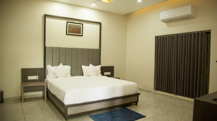 rudra-resort-room