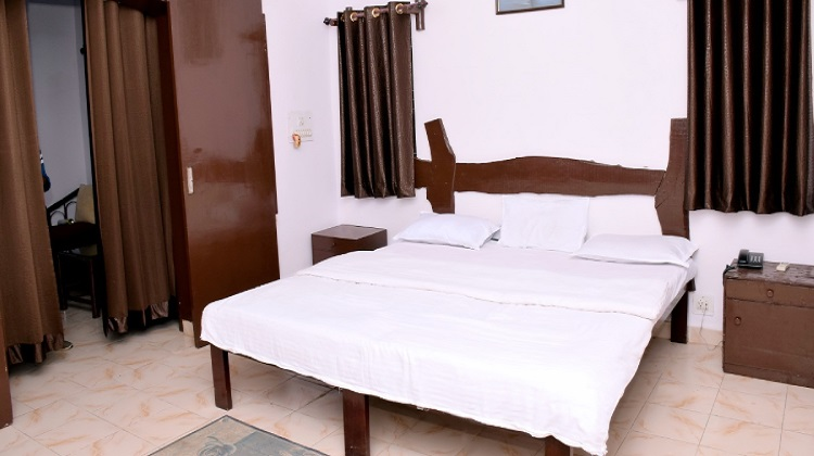 sanjaytigerresort-room